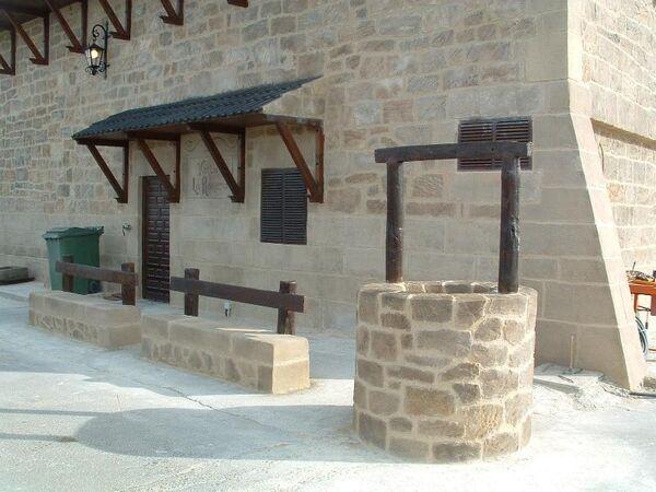 Reproducciones de piedra artificial hermanos estecha for Piedra artificial jardin