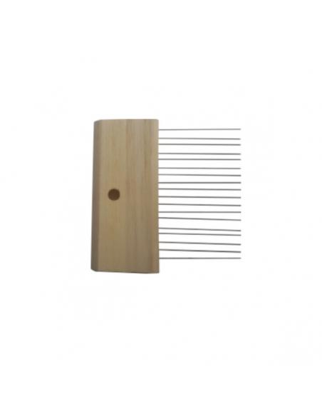 Fine scratch comb