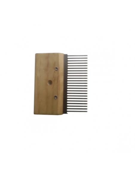 Scratch comb
