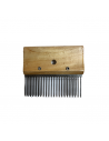 Thick scratch comb